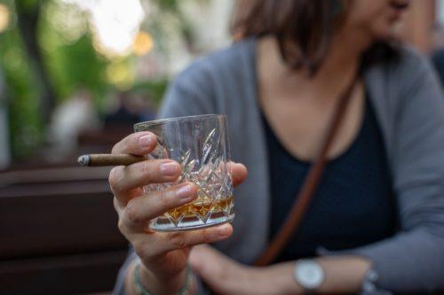 アルコールとお酒を控える